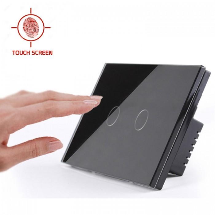 Touch Lichtschakelaar - De dagen worden stiekem weer korter, het wordt eerder donker en je doet sneller weer een lichtje aan. Doe voortaan de lampen in stijl aan en kies voor de moderne manier van lichtschakelaars: kleine touchscreens, ingebouwd in de muur!Deze elegante Touch Lichtschakelaar is voorzien van een glazen, capacitief aanraakscherm. Een lichte aanraking is voldoende om de schakelaar te bedienen omdat deze op basis van capacitieve sensortechnologie werkt. In de glasplaat brandt een blauwe LED ter oriën(...)